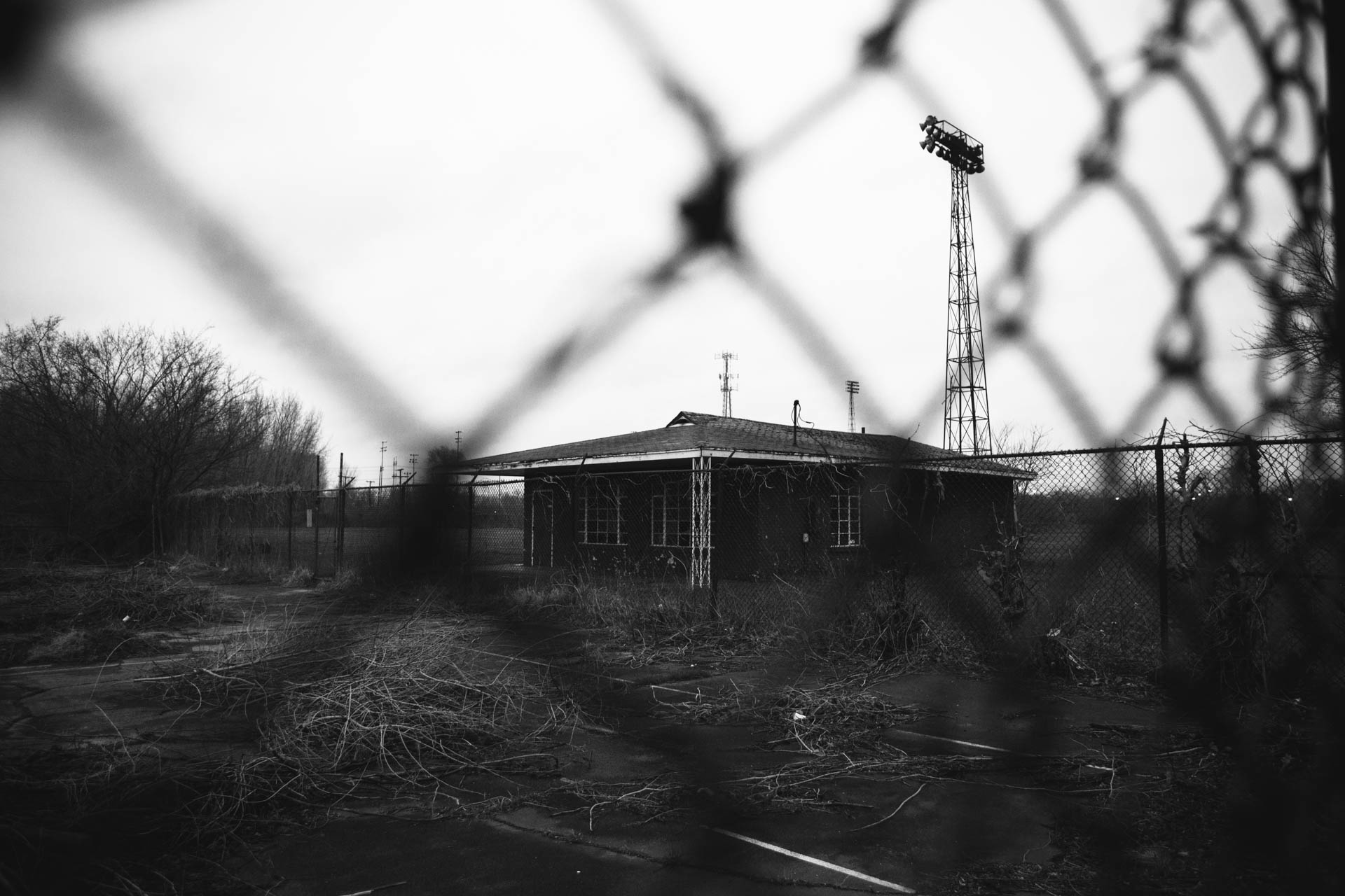 abandoned-gilroy-stadium-field-house-gary-in-5939