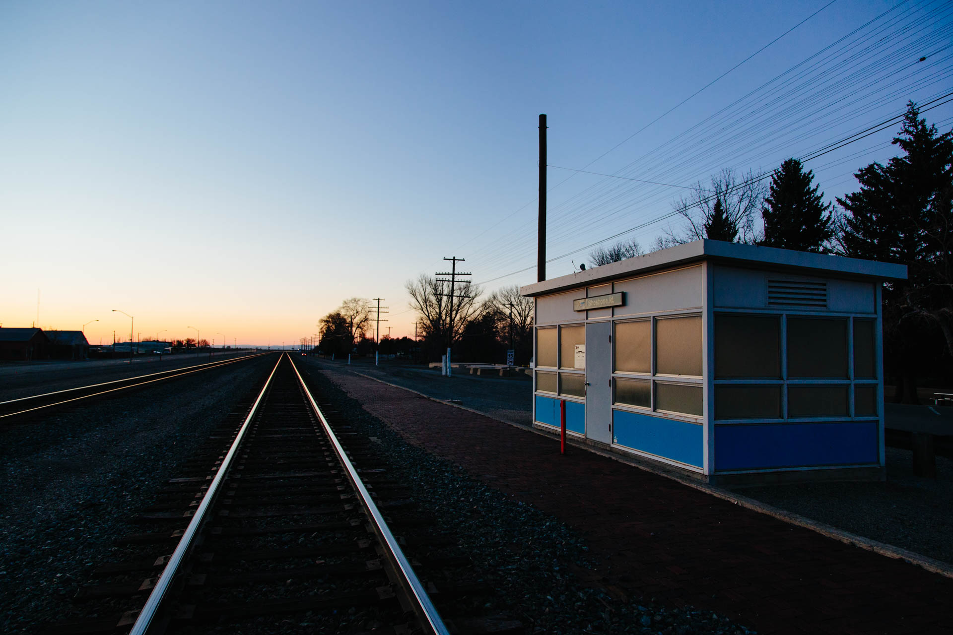 amtrak_shelter_sunset_shoshone_id