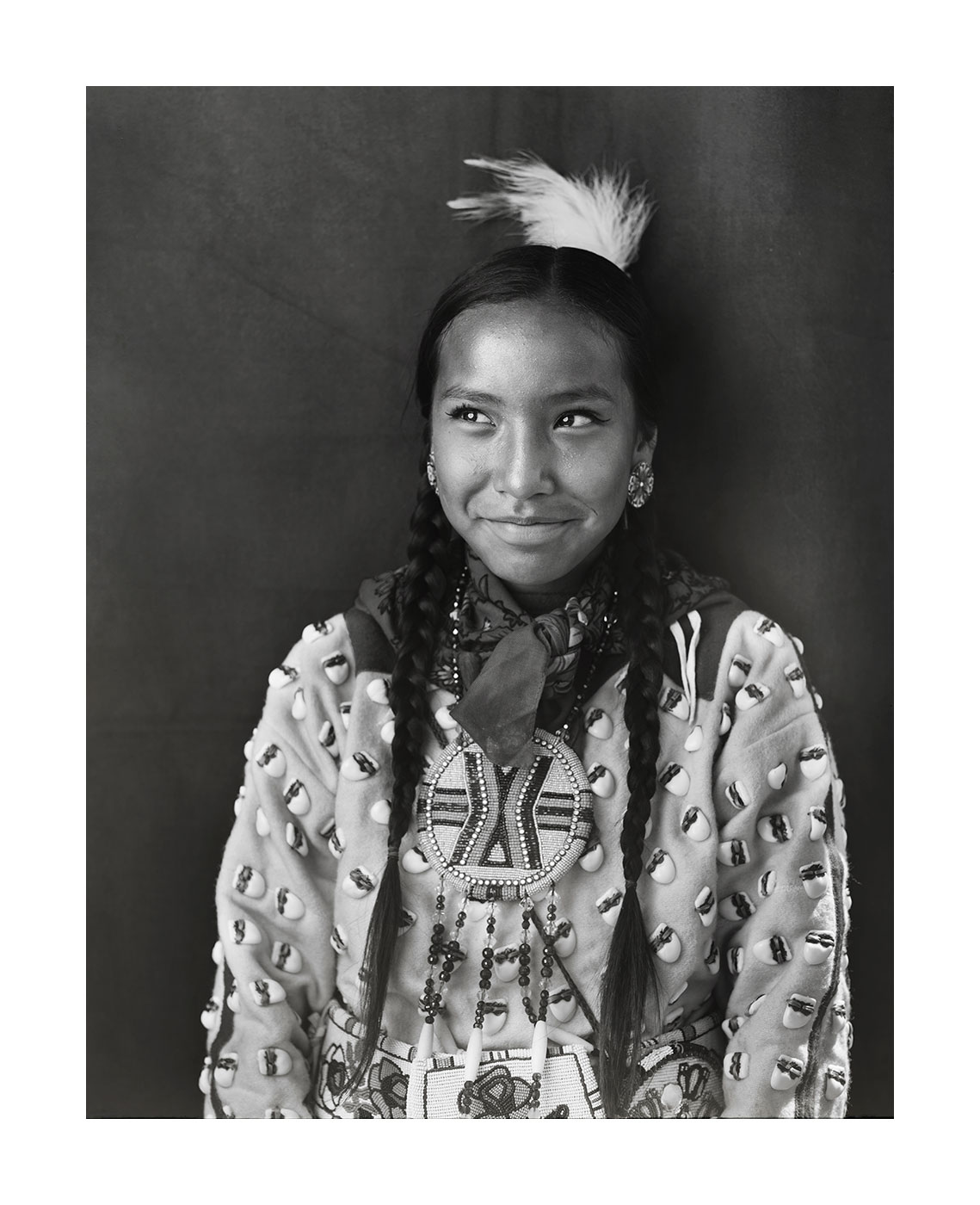 apsaalooke-crow-indian-girl-portrait-with-smiling