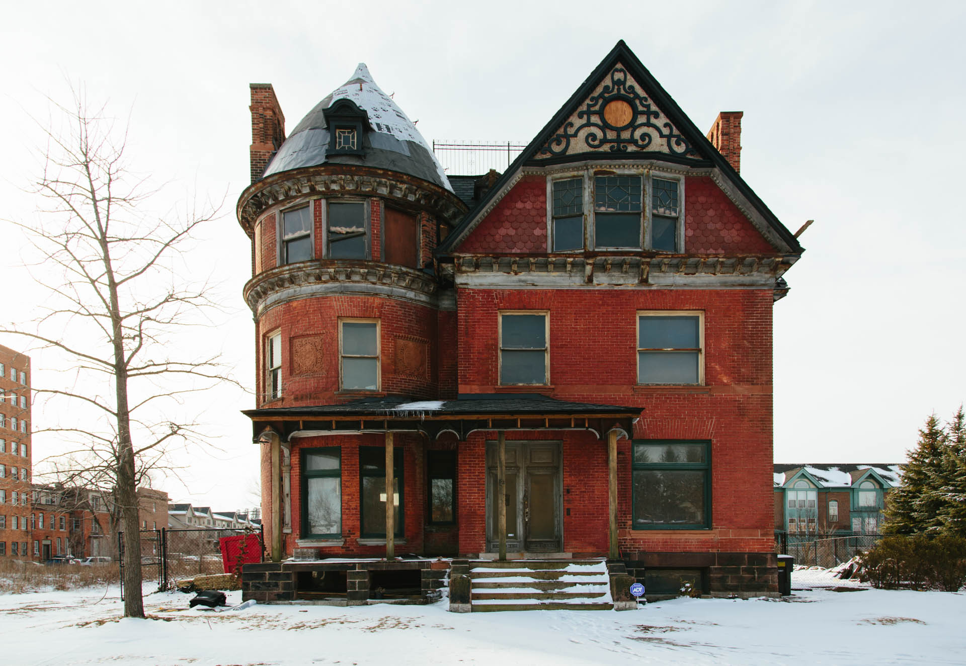 beautiful-red-brick-victorian-home-detroit