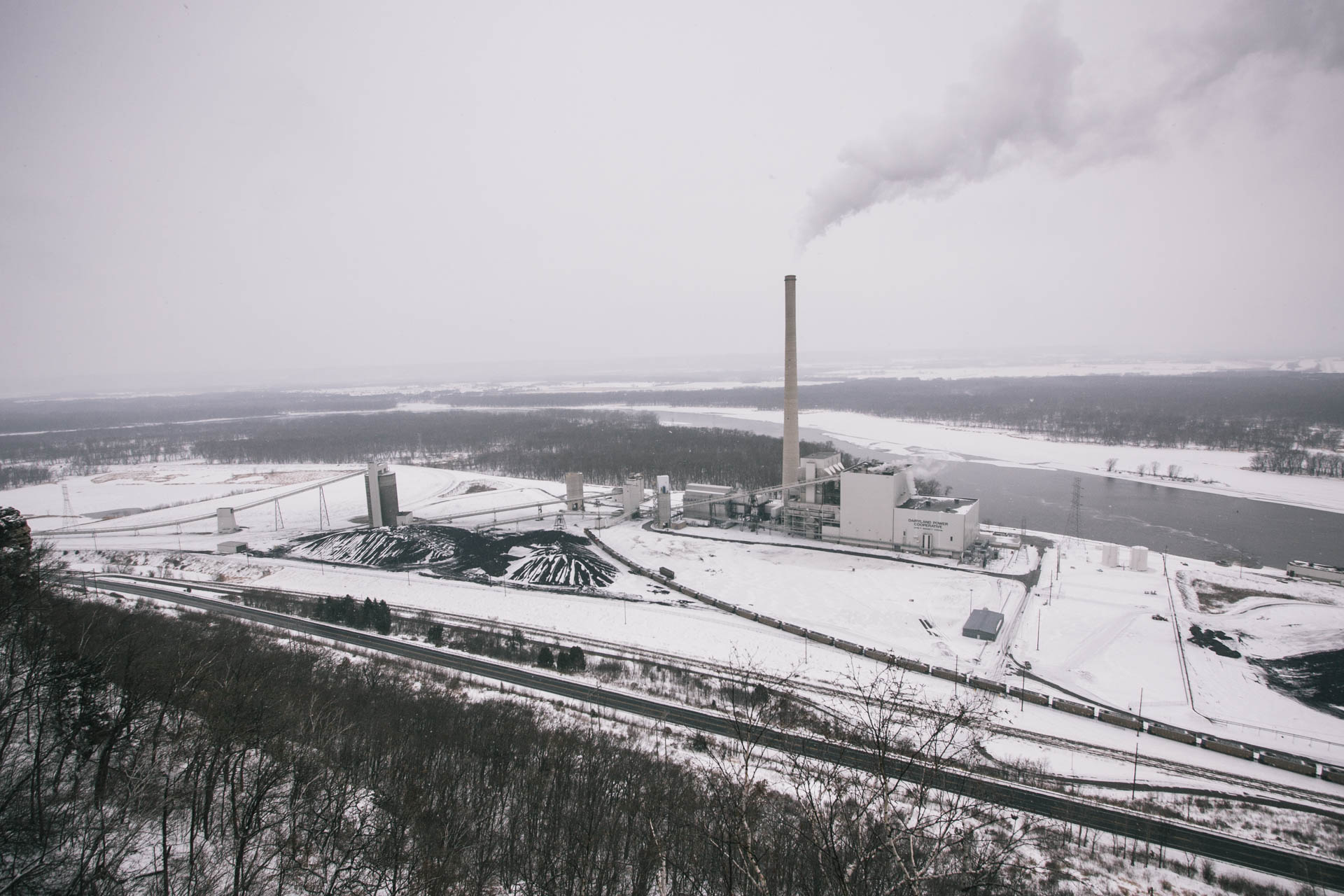 bnsf-aerial-view-alma-coal-power-plant-winter-1009