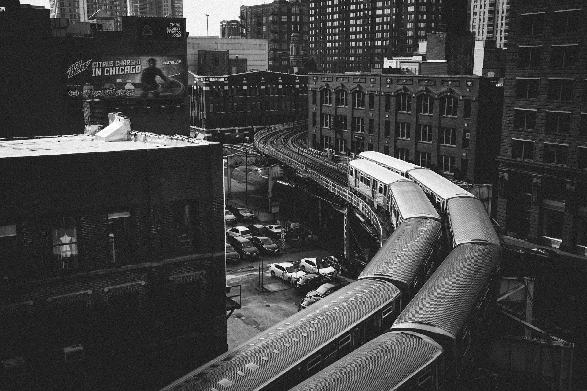 cta_side_by_side_s_curve_merchandise_mart_6520untitled