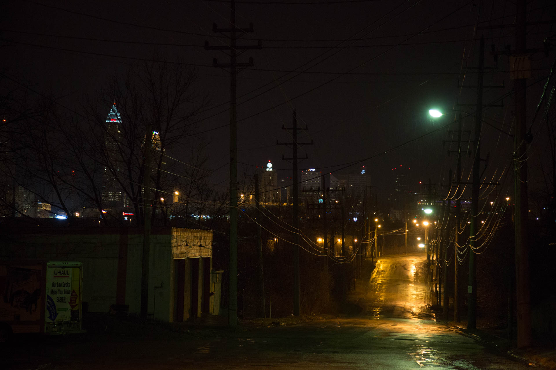 dark-alley-cleveland-oh-skyline-night-5260untitled