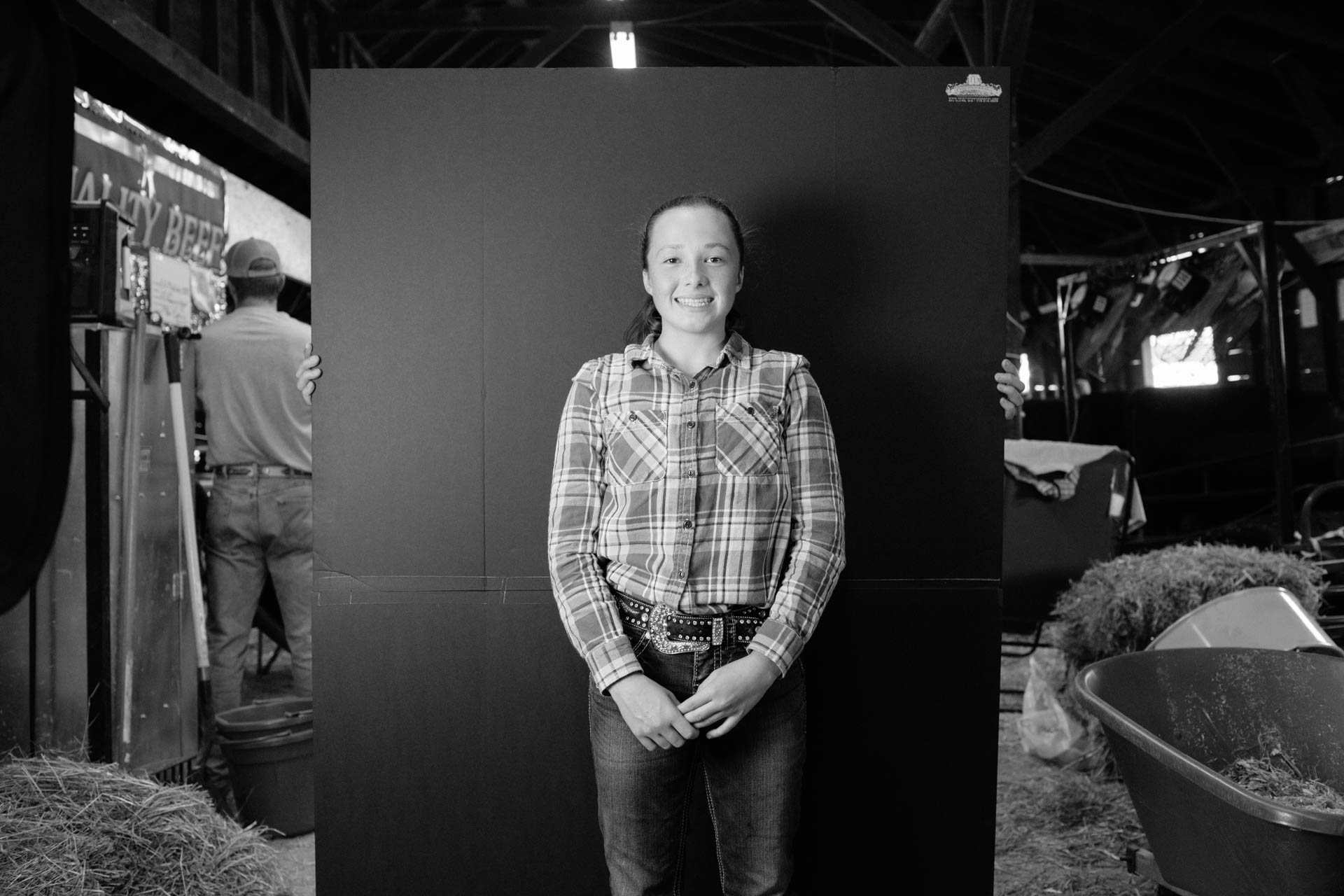 northern-wisconsin-state-fair-farm-girl-portrait