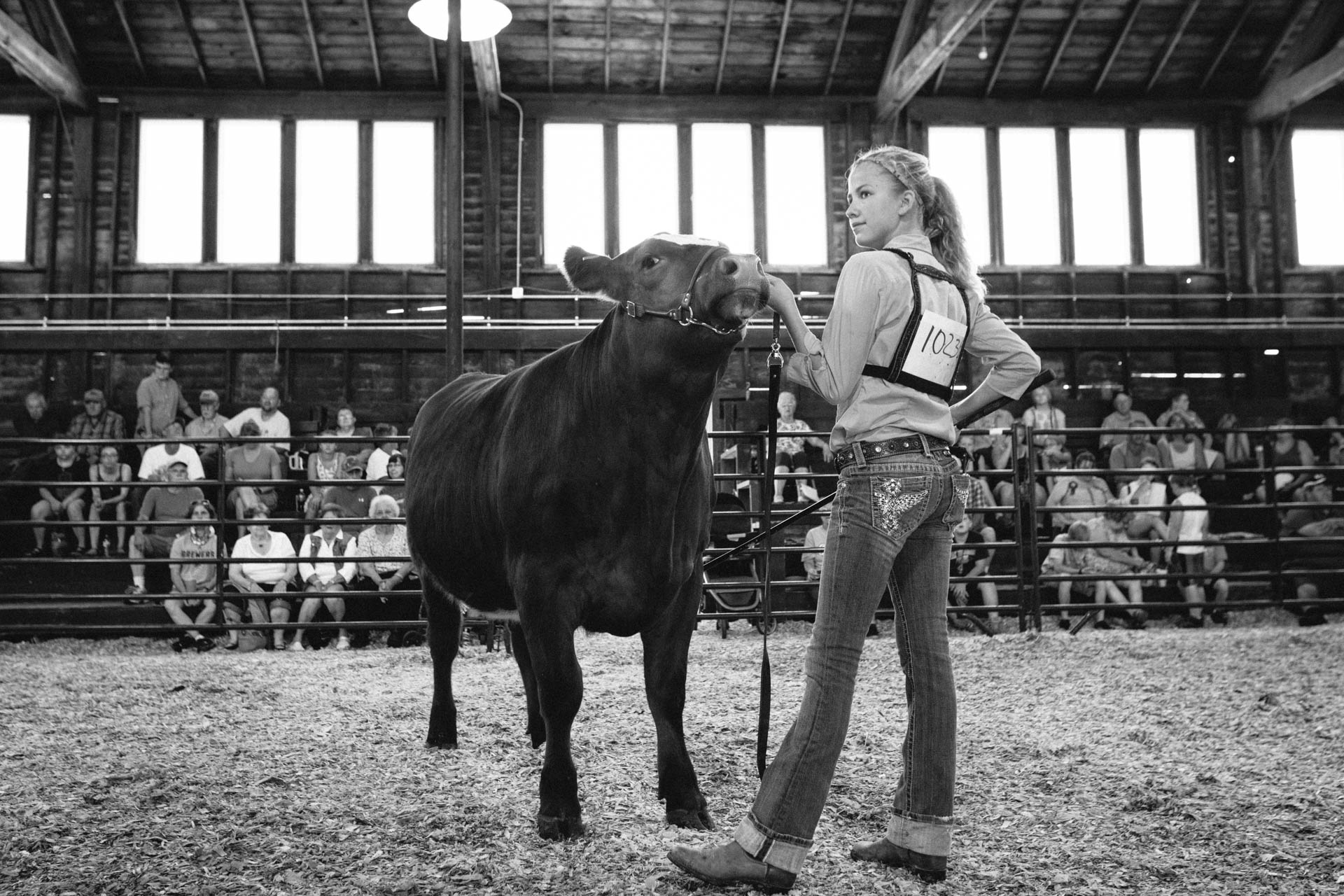 northern-wisconsin-state-fair-teen-shows-her-steer