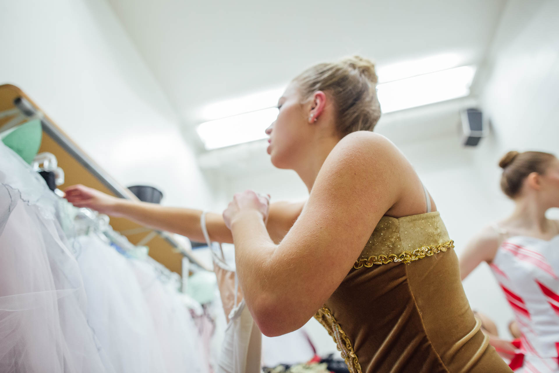 nutcracker-ballerinas-dressing-room-5806