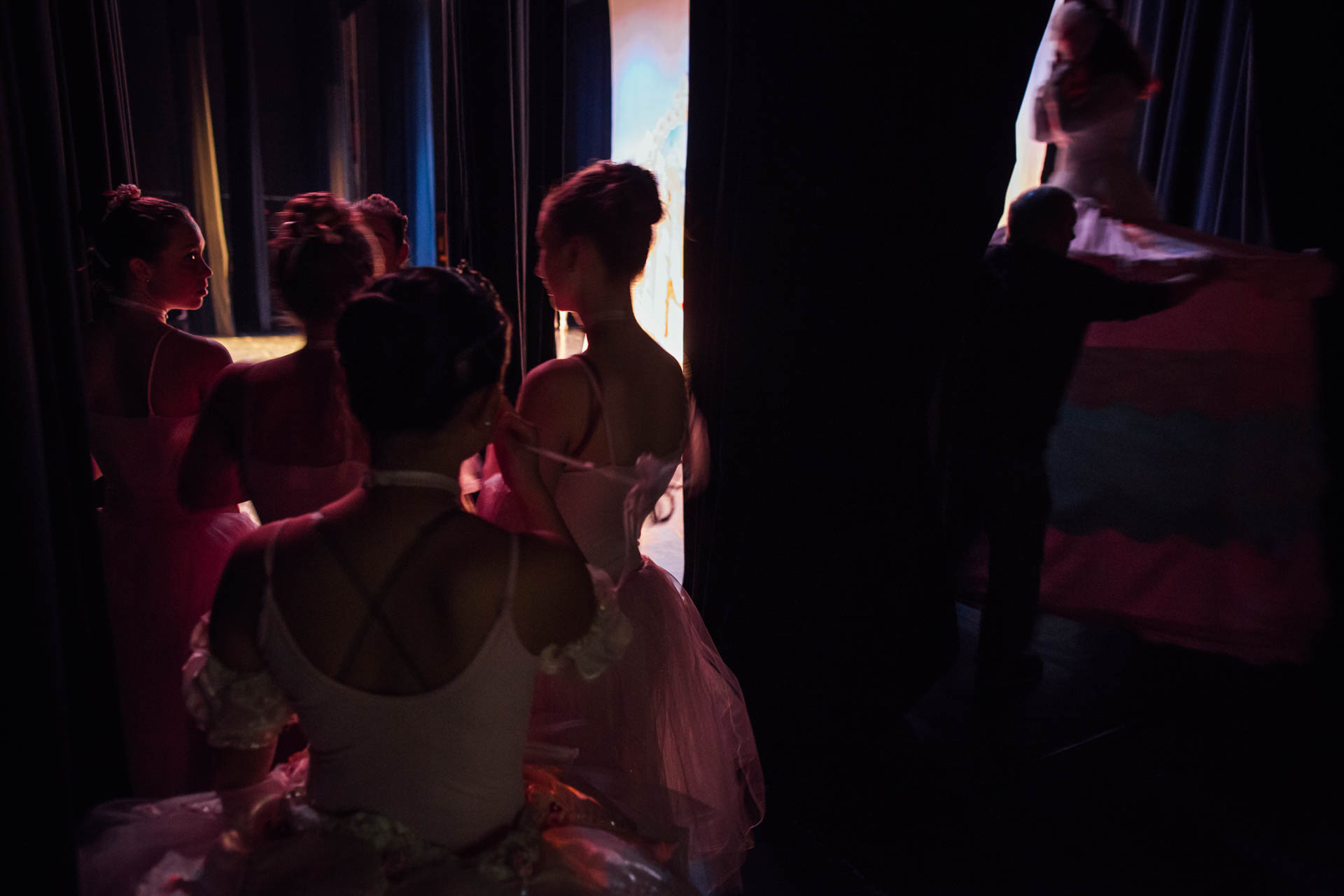 nutcracker-ballet-side-stage-action-6063