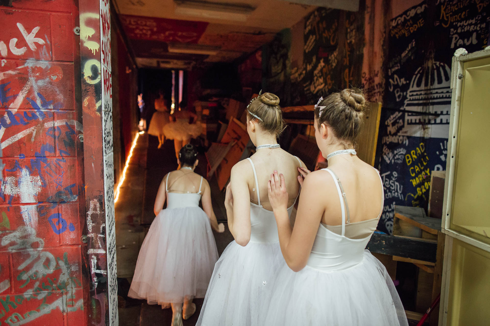 nutcracker-ballet-snow-flakes-rush-backstage-5670