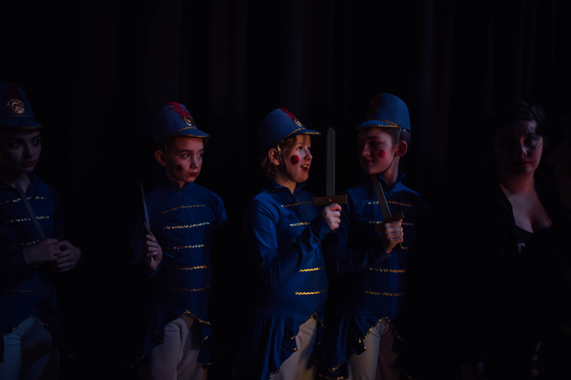 nutcracker-ballet-soldiers-side-stage-6354