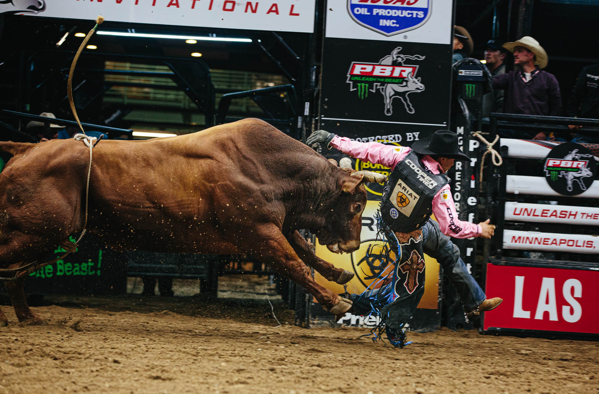 pbr-minneapolis-invitational-bull-chase.JPG