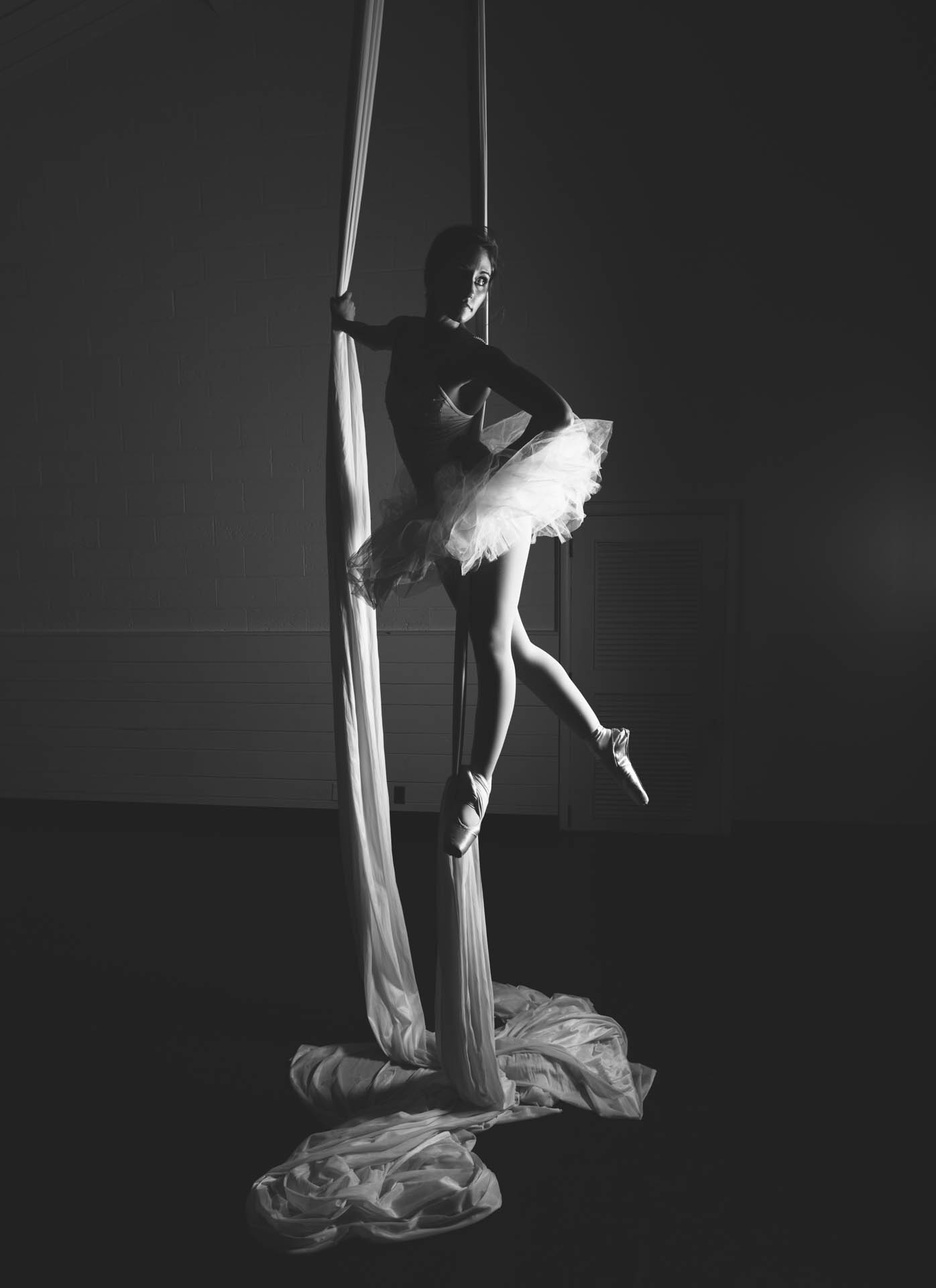 shannon-ballerina-pointe-shoes-white-tutu-on-dance-silks-award-winning-0876