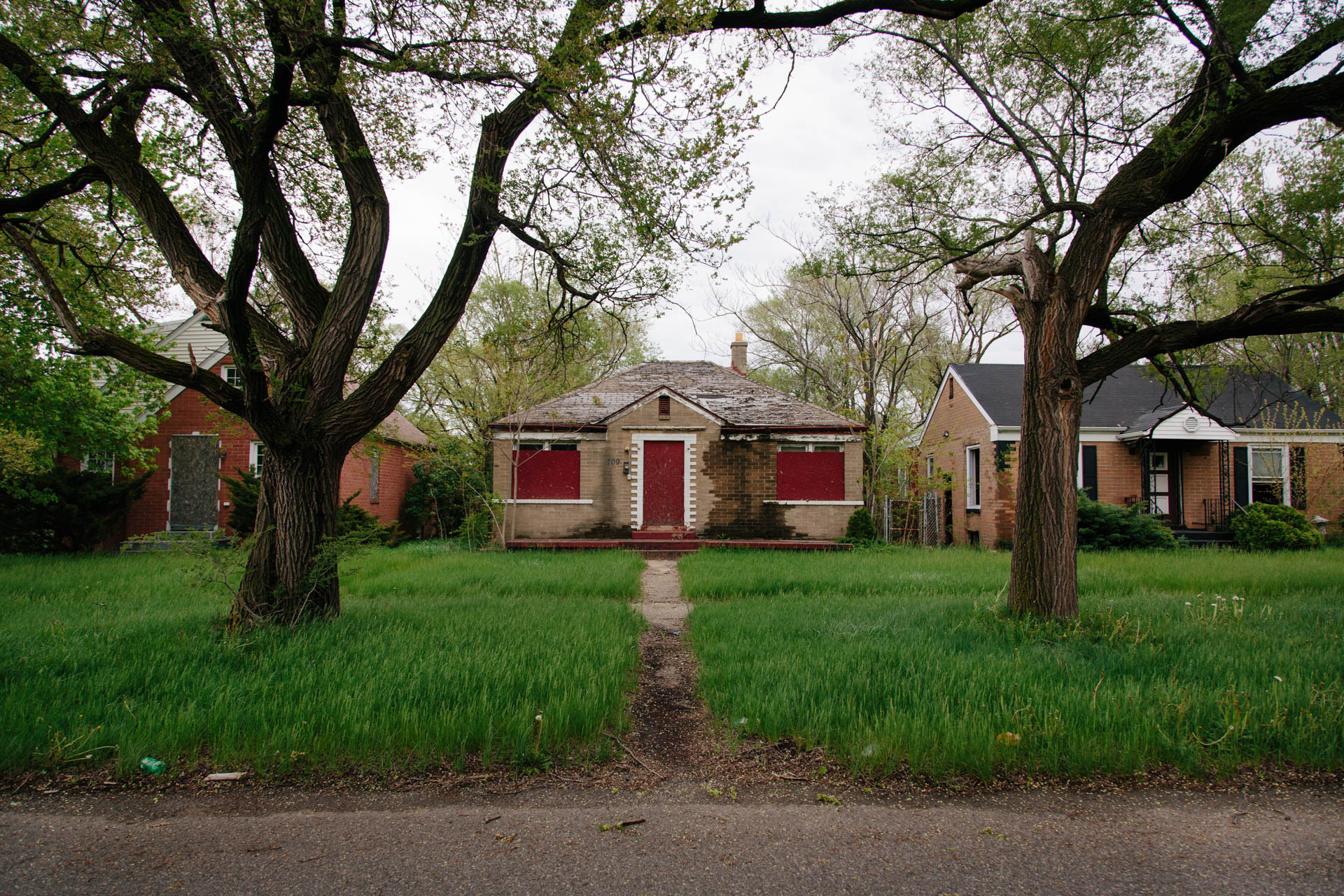vacant-homes-on-beautiful-street-gary