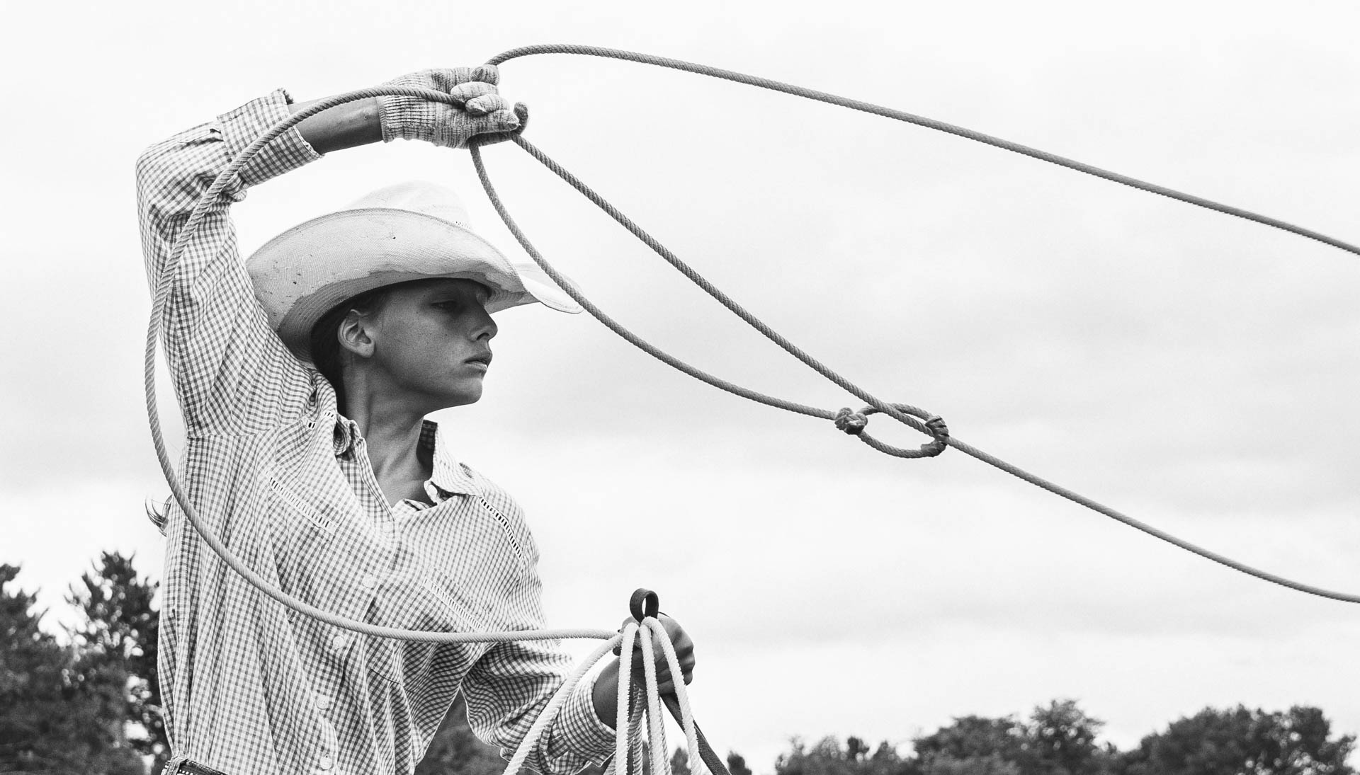young-cowgirl-roping-lasso.JPG